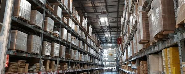 Intérieur d'entrepôt